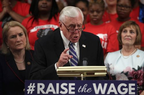 House votes to raise minimum wage, uniting Dems after months-long struggle