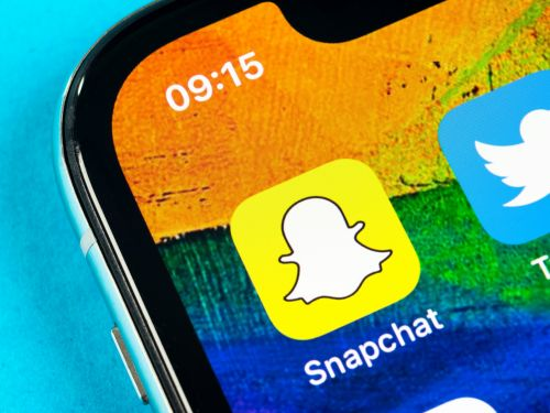 How to send GIFs on Snapchat by attaching them to your photos or videos