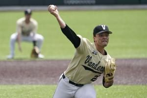 Leiter strikes out 10, Vandy CWS bound with 4-1 win over ECU