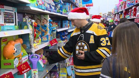 Bruins go holiday shopping for children in Boston hospitals