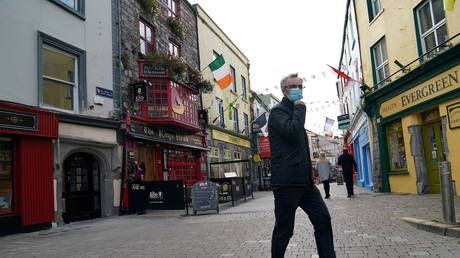 Ireland to put nation under 'Europe's strictest' quarantine for six weeks amid record daily Covid-19 infections