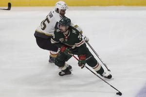 Kahkonen gets 1st shutout as Wild beat Golden Knights 2-0