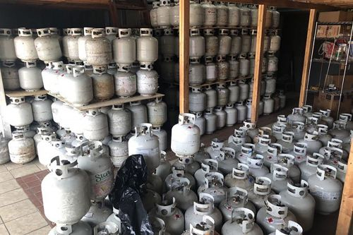 Man busted for storing 900 propane tanks in Brooklyn warehouse