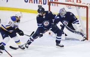 Schwartz scores late in third period, Blues top Jets in Game 5 for 3-2 lead
