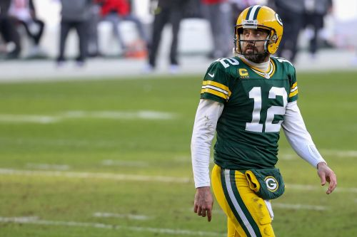 Aaron Rodgers adds another twist to sudden Packers drama