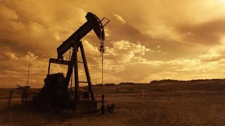 Oil recovers from decades' lows as Russia & US agree energy talks