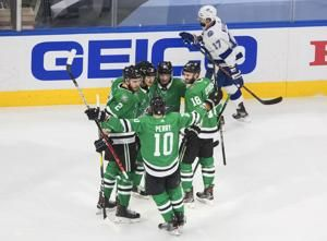 Gourde pulls Lightning into 3-3 tie with Stars in Game 4