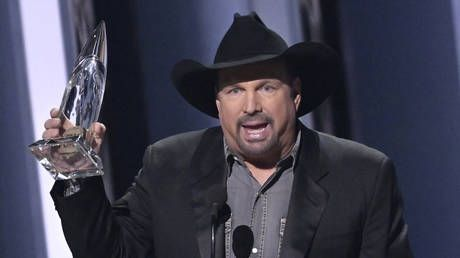 Trump fans lose it with Garth Brooks for 'supporting Bernie Sanders' in NFL jersey mix-up