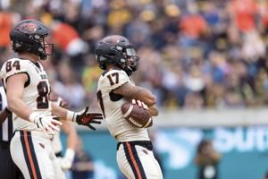 Oregon State blows lead, comes back to beat Cal 21-17