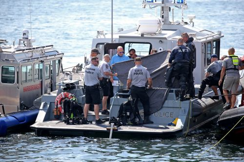 2 bodies recovered from sunken car near Boston Seaport