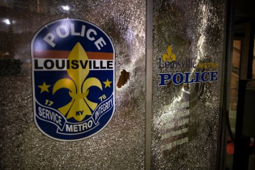 Louisville police officer files lawsuit against Breonna Taylor's boyfriend