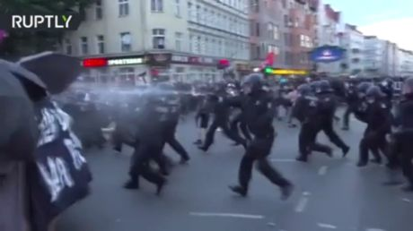 18 officers injured in clashes with Berlin anti-mask protesters
