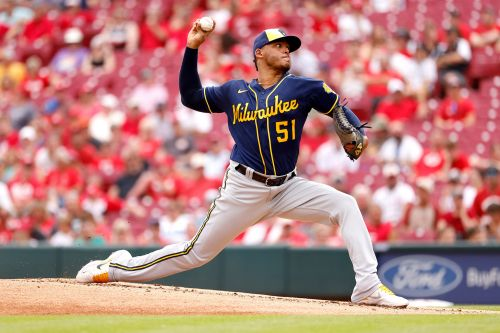 Brewers should edge out Reds in NL Central pitching duel
