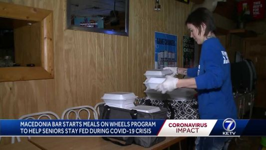 Iowa bar implements meals on wheels program to feed seniors during crisis