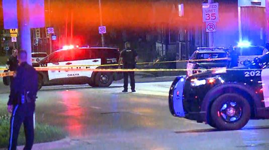 Man found dead at shooting scene, 2 other people injured