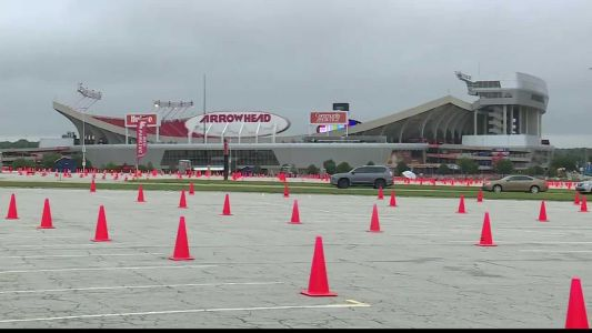 Group told to quarantine after possible COVID-19 exposure at Chiefs game