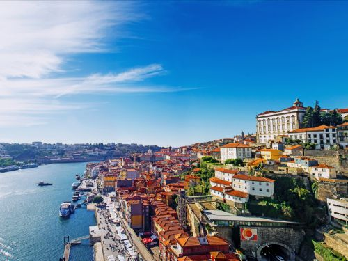 Retiring abroad: An American couple who retired in Portugal breaks down how much they spend every month