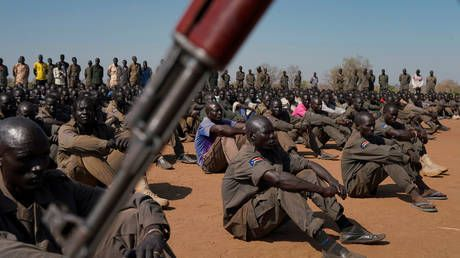 Clashes between soldiers & civilians leave 127 dead in S. Sudan, army says