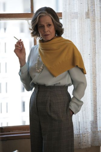 Sigourney Weaver a literary lioness in 'My Salinger Year'