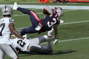Burkhead's 3 TDs power Patriots to 36-20 win over Raiders