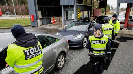 Norway to SHUT BORDERS to all except essential travelers to halt spread of Covid-19 variants, PM says