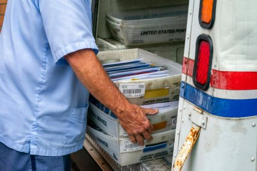 Chicago USPS postmaster out after delayed mail complaints