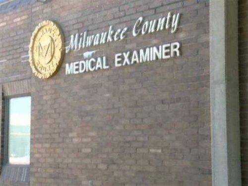 Woman, infant found dead in Milwaukee apartment