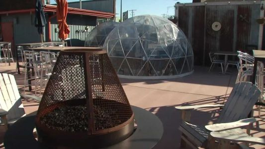 Iowa restaurants use plastic igloos to keep customers outdoors during winter