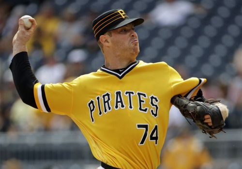 Pirates unveil early look at new alternate jerseys