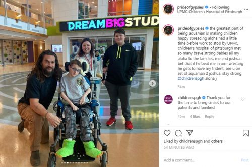 Actor Jason Momoa visits patients at Pittsburgh children's hospital