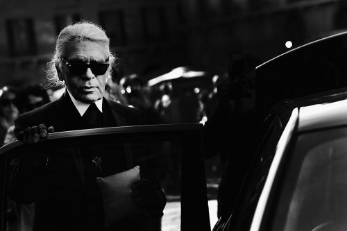 Iconic fashion designer Karl Lagerfeld dead at 85