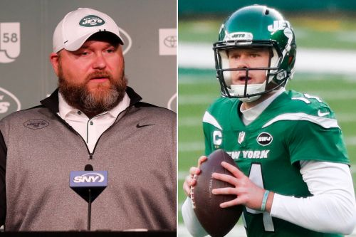 Jets' Joe Douglas changes tune on Sam Darnold overtures