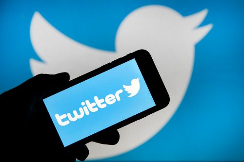 Twitter explores 'undo send' feature for paying users