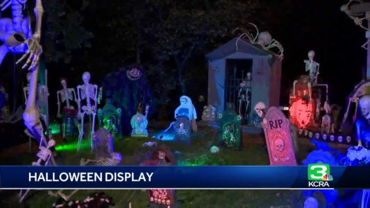 VIDEO: Couple puts up elaborate Halloween display