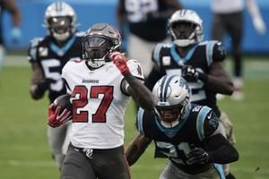 Buccaneers' Ronald Jones sets franchise record with 98-yard touchdown run against Panthers in Week 10