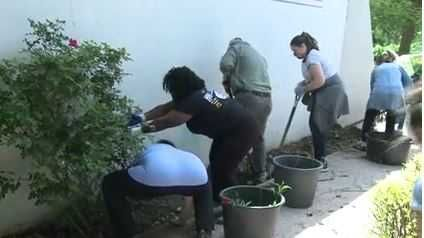 Volunteers tidy up Old Louisville park for latest Give A Day activity