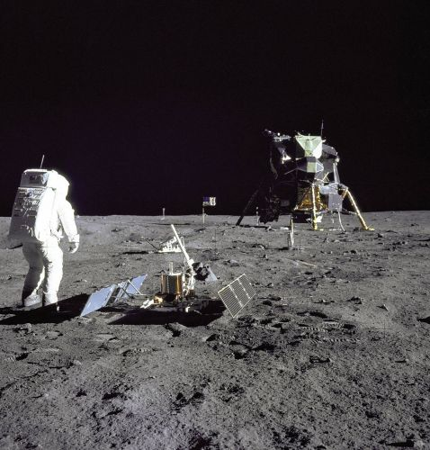 Apollo 11's Risky Moon Landing Included 'Lumpy Gravity,' Craters and More
