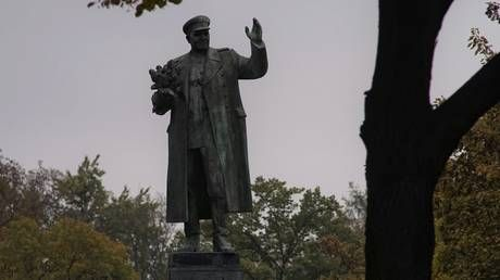 'Dark day' in Prague: Czech authorities use sham 'no mask' Covid-19 excuse to tear down monument to Soviet liberator