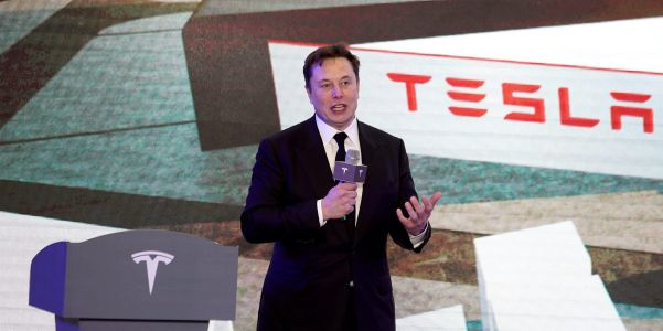 'Remain highly cautious': Here's what 3 Wall Street analysts expect when Tesla reports 4th-quarter earnings