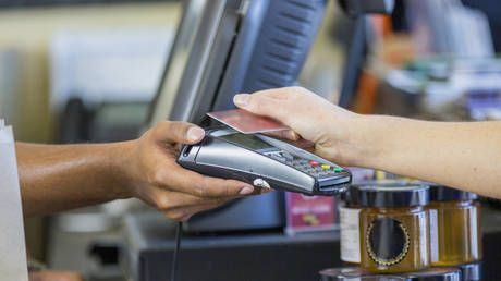 Russia sees record share of cash-free transactions as it moves closer to cashless society