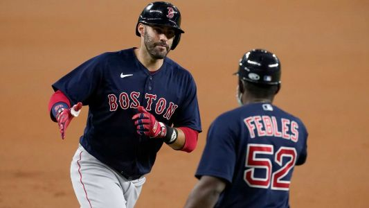 Red Sox hit 4 home runs in bounceback win over Rangers