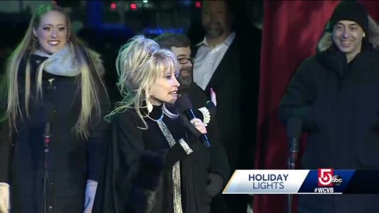 Dolly Parton charms crowd at Boston's 'Holiday Lights'