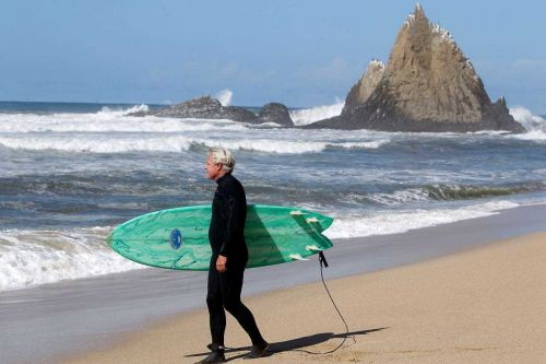 Billionaire sues California, sheriff, others in beach fight