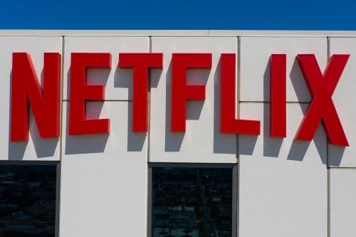 Netflix rides 'Squid Game' popularity to better-than-expected sign-ups