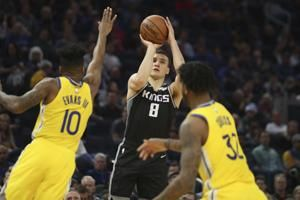 Bogdanovich scores 25 points, Kings rout Warriors 100-79