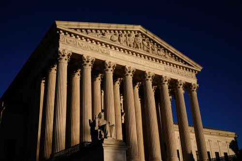Democrats to unveil bill to expand US Supreme Court by four justices