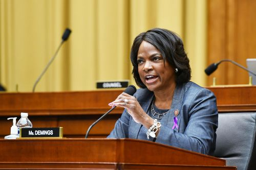 Demings 'seriously considering' challenging DeSantis or Rubio