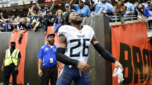 Man who says he was misidentified as fan who dumped beer on Titans' Logan Ryan sues Browns
