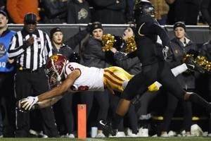 Pac-12 commissioner says missing playoff 'harmful' to league