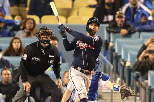 Eddie Rosario belts two homers to lead Braves past Dodgers